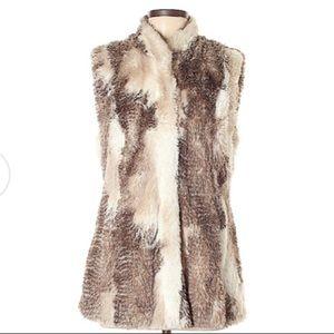 CAbi Aspen Vest #3179 Faux Fur | M